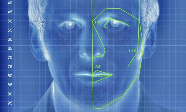 Un'illustrazione della        tecnologia di analisi facciale simile a quella usata        nell'esperimento condotto da yilun Wang, Michal        Kosinski a Stanford e pubblicato il 7        settembre 2017. Credit Alamy.