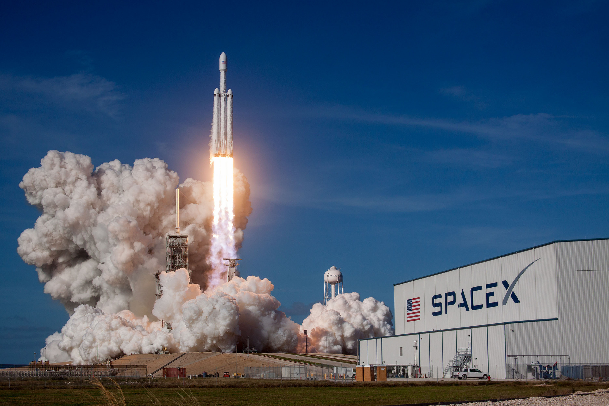 Falcon Heavy Demo Mission. Credit: Space X / Filckr.