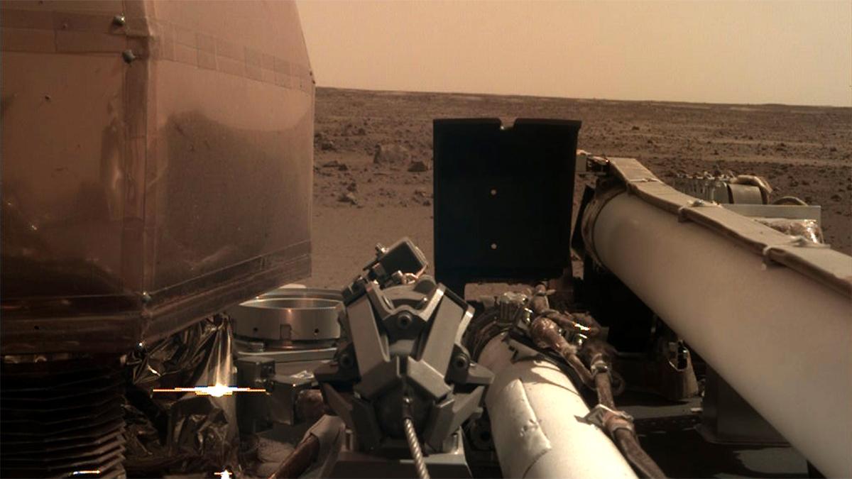 Nell'immagine: InSight sulla superficie di Marte immagine pittorica). Credit: NASA / JPL-Caltech. Licenza: Public Domain.