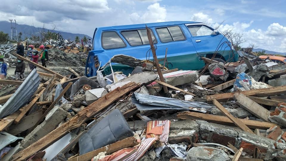 I danni provocati dal terremoto del 28 settembre scorso a Petobo, un villaggio a sud della capitale Palu nella provincia centrale dell'isola di Sulawesi, Indonesia. Credit: Devina Andiviaty / Wikipedia. Licenza: CC BY-SA 3.0.